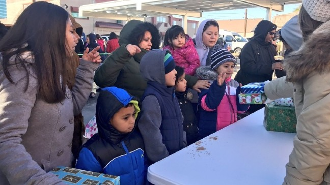 Estimated 1,500 receive toys from Las Vegas Rescue Mission