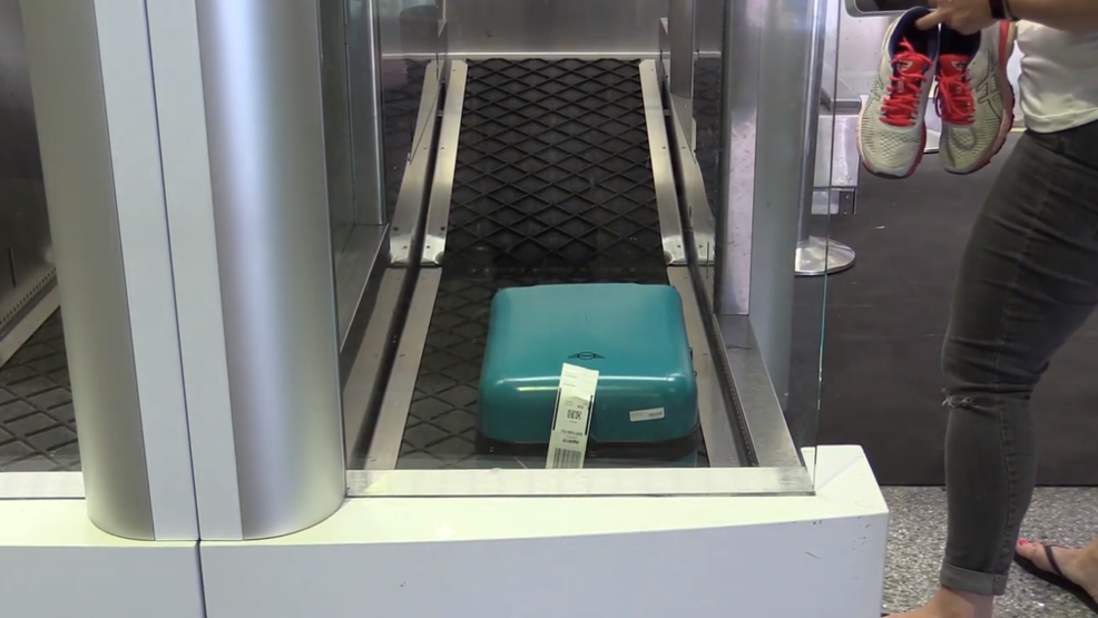 Kết quả hình ảnh cho Spirit Airlines debuts self-service bag drop system at McCarran International Airport images